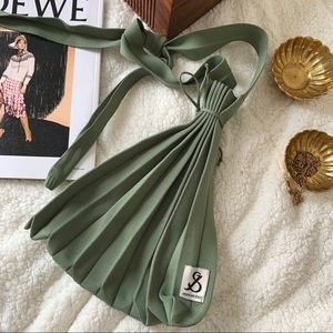 ✨Host Pick✨ J&S Pleated Knit Bag